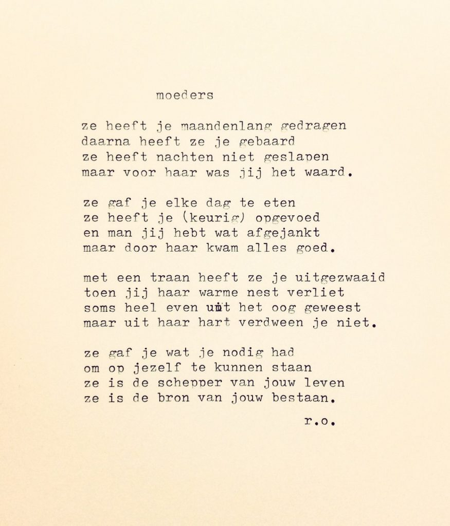 Uitgetypt gedicht moeders ren oskam for Toon voorbeeld
